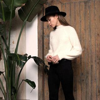 ⬜♣️⬜ Black & White  ⬜♣️⬜    #andmeunlimited#SOFTcollection #fw2020 #madewithlove #modaespañola #AW2021 #wintertrends #ootdinspiration #HOMEwear #slowfashion #anotherwayispossible #rebajas2021 #rebajasinvierno