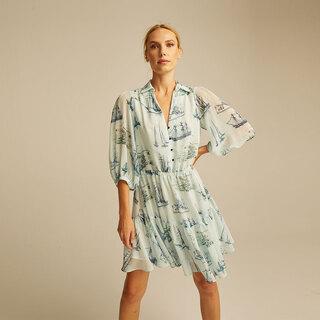 #mysustainablelook ♻️ Vestido Roma ♻️  Confeccionado en tejido sostenible, con fibras obtenidas de botellas de plástico reciclado post-consumo #RPET   #andmeunlimited #STARScollection #anotherwayispossible #reducereuserecycle #greenfashion #ecofriendly #slowfashion #regalasostenible #dress #prints #blue