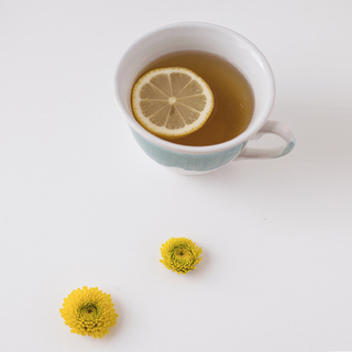 🍵Relaxing with a hot cup of tea 🍵    #andmeunlimited #modaespañola #lifestyle #HOMEwear #slowfashion #AW2021 #tea #relax