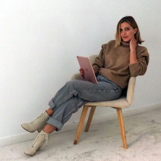 Monday Mood by @alipromesas      #andmeunlimited #SOFTcollection #madewithlove #AW2021 #wintertrends #ootdinspiration #mondaymood #knitwear #HOMEwear