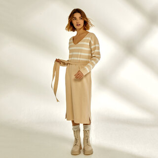 Beige is not boring!   💛 Vestido Daniela 💛    #andmeunlimited  #modaespañola #madewithlove #AW21 #FALLcollection #slowfashion #anotherwayispossible #knitwear #knitdress #HOMEwear