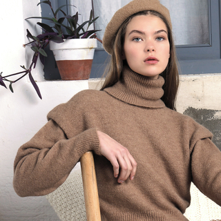 My cozy look⁣ 🍂Jersey Aurora 🍂⁣ ⁣ ⁣ ⁣ ⁣ #andmeunlimited #SOFTcollection #AW2021 #HOMEwear #madeinspain #slowfashion #knitwear #brown #rebajas